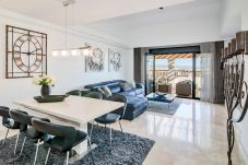 Dining Room of Exclusive Holiday Penthouse in San Pedro